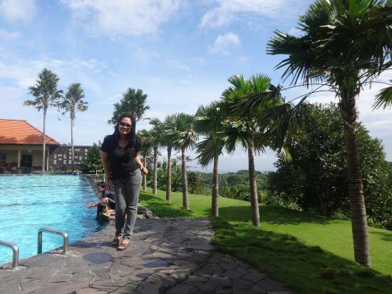 Mojokerto, Indonesia: Wardes swimming pool