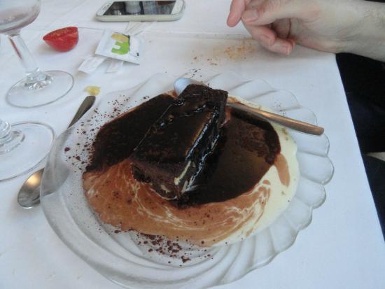 Sant Gregori, España: Brownnie con crema tébia y cacao