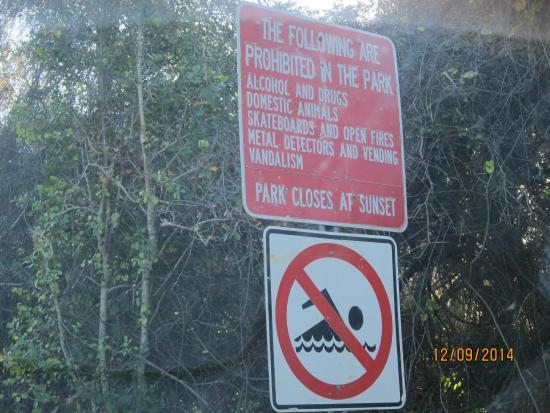 James E Grey Preserve : signage