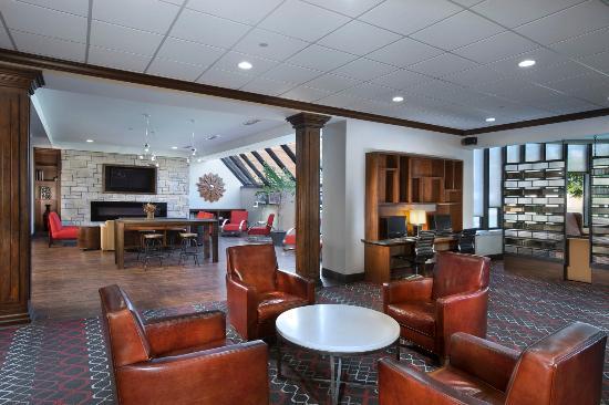Four Points by Sheraton Manhattan: Lobby
