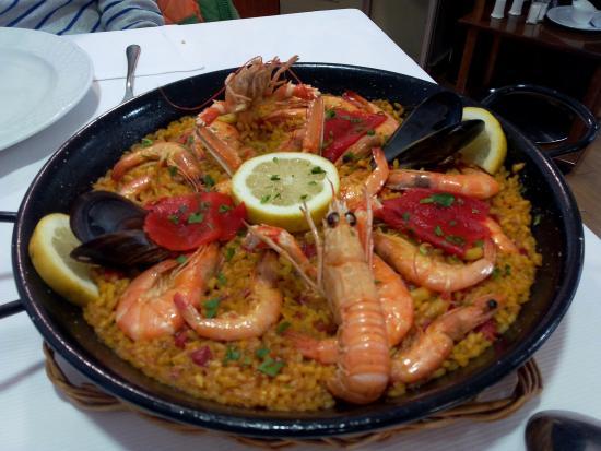 San Vicente de la Barquera, Spain: paella rica