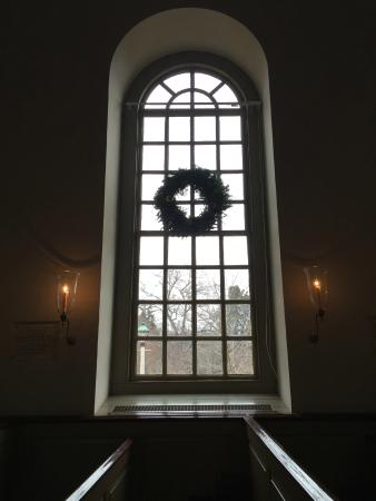 Bruton Parish Episcopal Church: Decorated for Christmas season