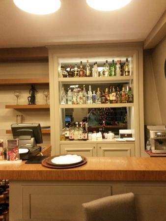 Avantgarde Taksim Hotel : The bar beside reception