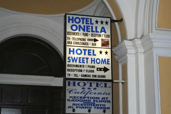 Hotel Sweet Home: Hotel notice at the outside