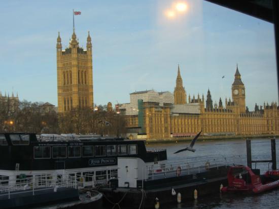 Riverside Cafe Lambeth Pier: Great View