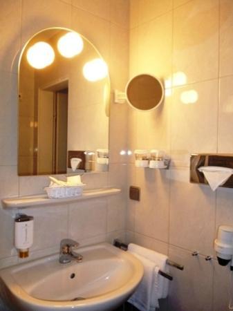 Waschplatz Badezimmer - Bild von H+ Hotel Bremen, Bremen - TripAdvisor
