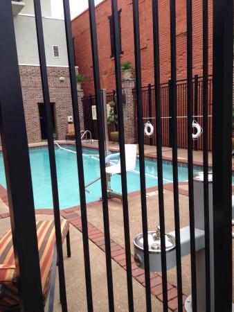Hampton Inn & Suites Mobile/Downtown: No hot tub,