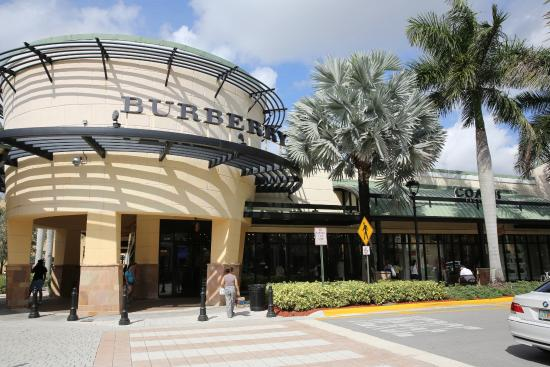 The Galleria is Fort Lauderdale's most fashionable address with sophisticated stores and amazing restaurants.