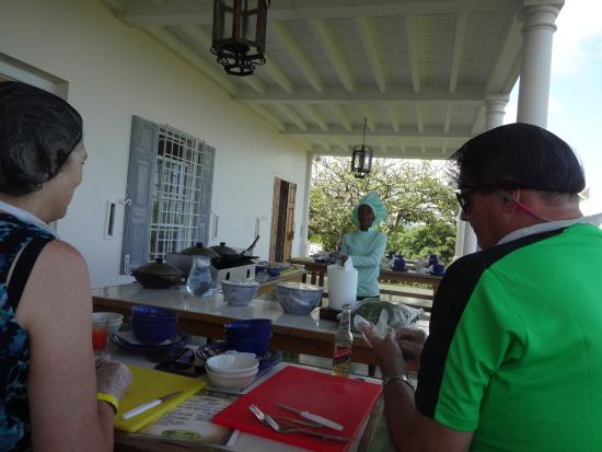 Yaaman Adventure Park: Our chef demonstrating Jamaican cooking