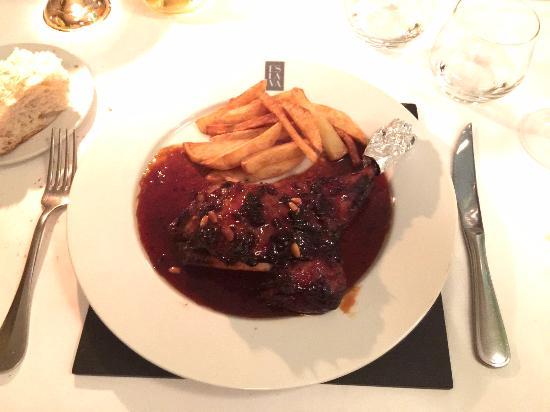 Apartamentos Espacio Eslava: An Incedible Leg of Lamb at Eslava Restaurant
