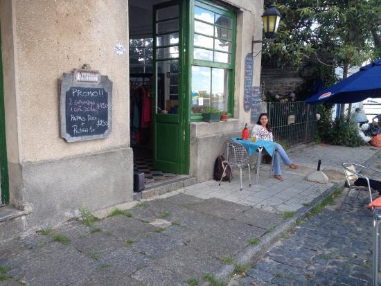Cafe del Muelle Viejo: Em uma cidade que parece cenográfica