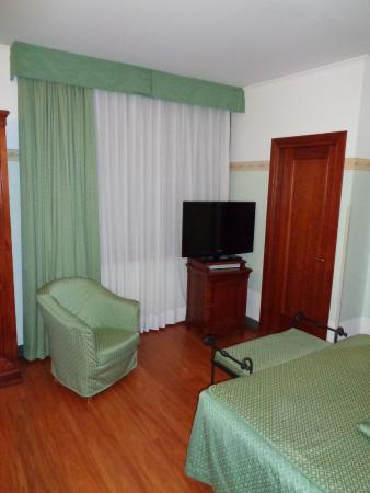 Russo Palace Hotel: vue côté tv