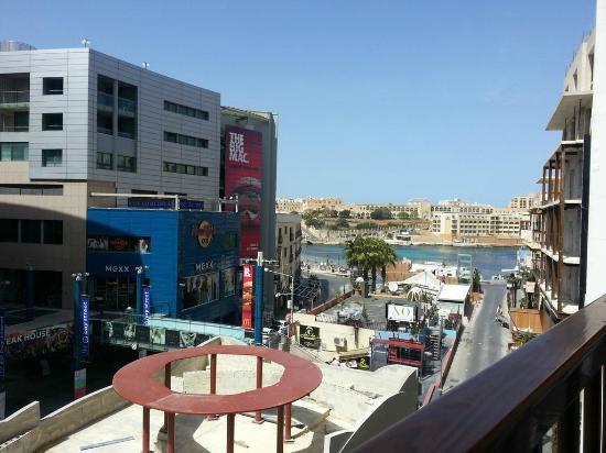 Gorgianis Hotel : Ön cepheye bakan oda manzarası
