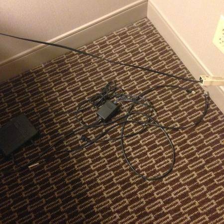The Westin Southfield Detroit: Random wires on the floor
