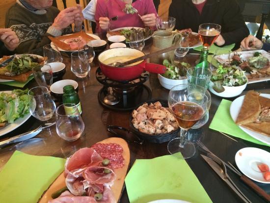 Creperie de l'Ours : Déjeuner de famille