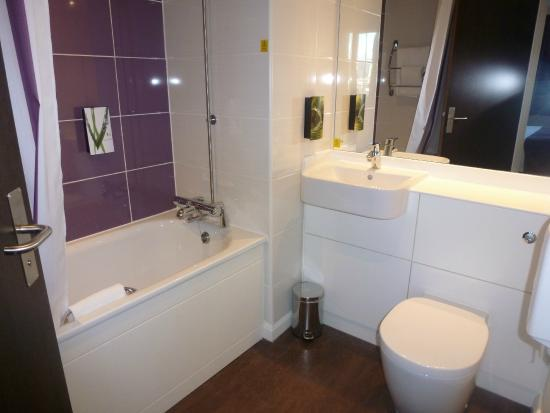 Premier Inn Brighton City Centre Hotel The Bathroom