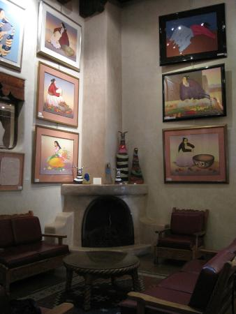 Hotel La Fonda de Taos: Main Lobby, comfortable and beautiful