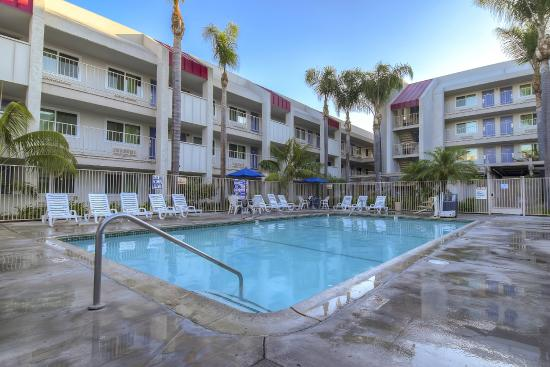Motel 6 Anaheim Maingate: Pool