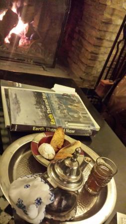 Spa Laaroussa: Thé à la menthe et délicieuses pâtisseries