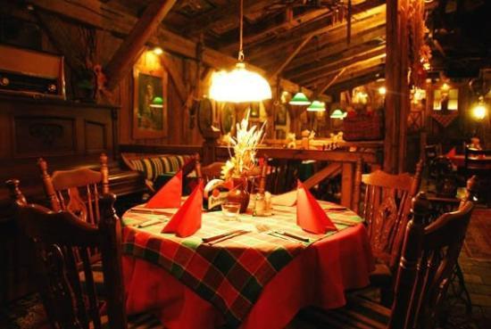 Holiday Cafe Bar Restaurant Pizzerie