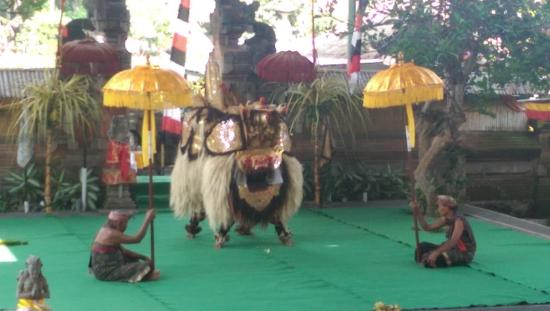 Ubud Friendly Driver: The Barong dance!