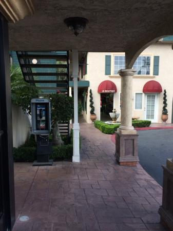 Quality Inn & Suites Anaheim at the Park: boutique do hotel.