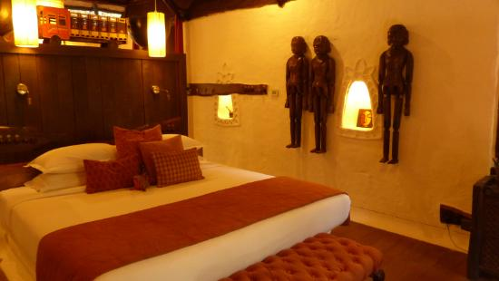 Mahua Kothi: Room with twin-bed