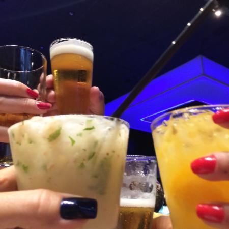 Pizzaria Marilia: Noite de drinks e brindes
