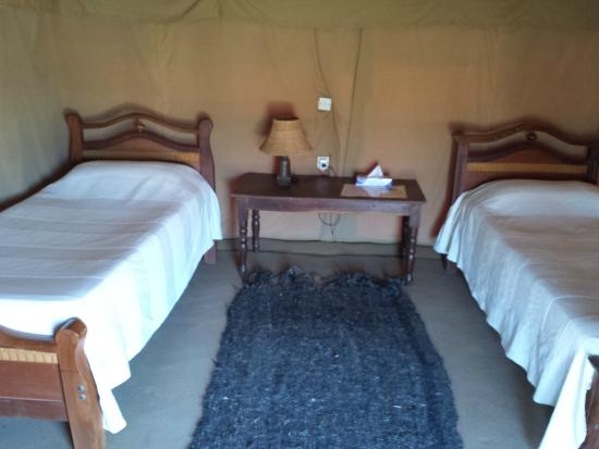 Meroe Tented Camp: Nice interior of the tents