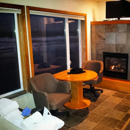 Jacuzzi Suite With Fireplace Picture Of Nordic Oceanfront Inn Lincoln City Tripadvisor
