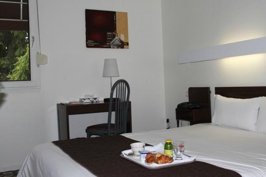 Inter-Hotel Le Saint Georges : Chambre