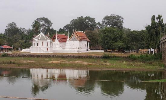 Wat Uposatharam (Wat Bot Manorom)