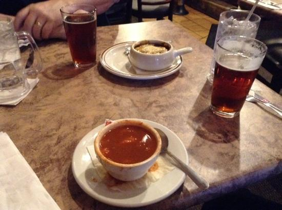 Old Mohawk Restaurant: christmas beers, french onion and turtle soup.