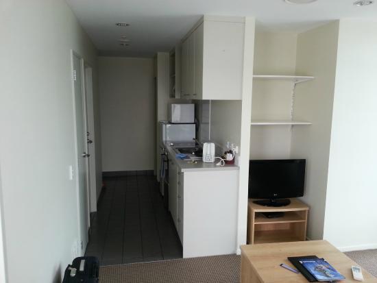 Proximity Apartments Manukau : Room 1603: Kitchenette