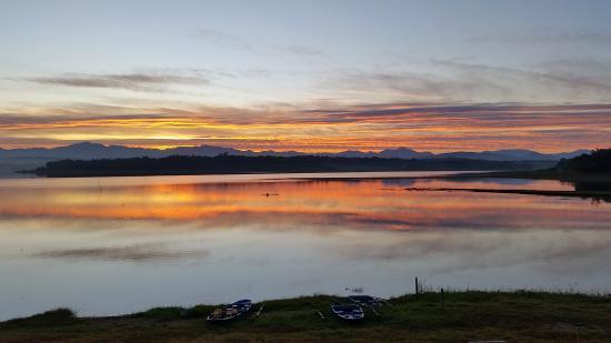 Paoay Lake National Park: Paoay Lake at Dawn