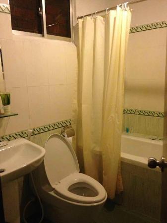 Hanoi Golden 2 Hotel: bathroom