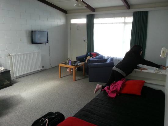 Fernleaf Motel : Living room