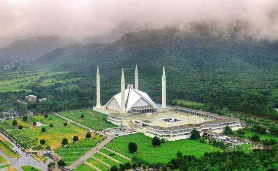 Image result for Shah Faisal Mosque.
