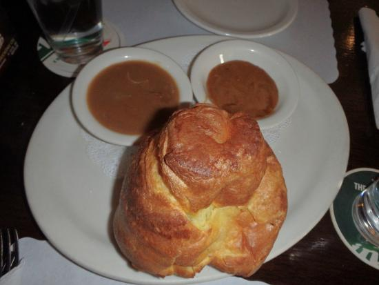 Crown & Anchor Pub: Yorkshire pudding with gravy and honey butter.  YUM!