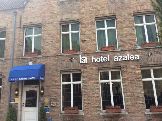 Azalea Hotel: Front View