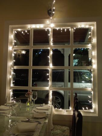 Cafe Sparrow : Xmas lights