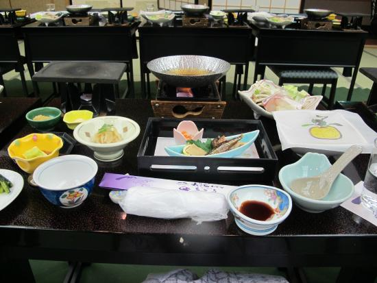 Oike Hotel Honkan: Traditional meals like this every meal!
