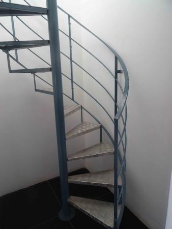 Castille Suites: l'escalier