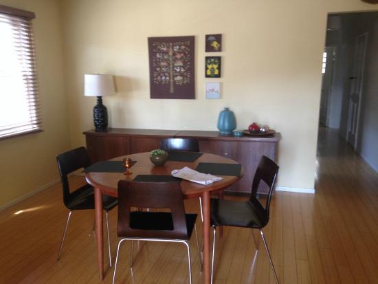 Los Feliz Lodge : Inside view