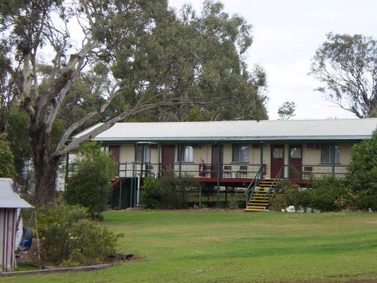 Oakridge Motel & Caravan Park