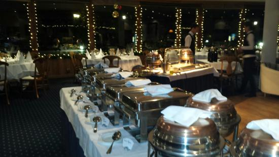 Hotel Chalet Royal: The Friday dinner buffet at the Chalet Royal.