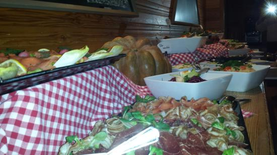 Hotel Chalet Royal : Friday dinner buffet