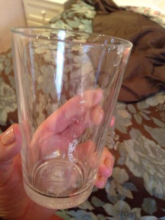 Ashley House Hotel : The glass in the room, supposedly clean!