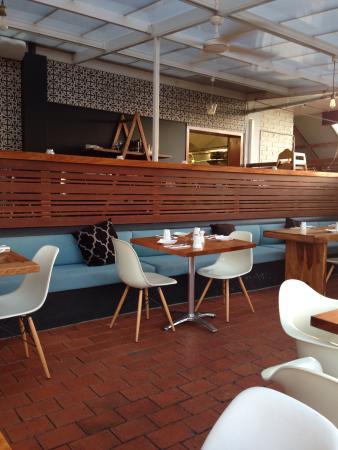 Frankie Brown : Restaurant view from outside veranda