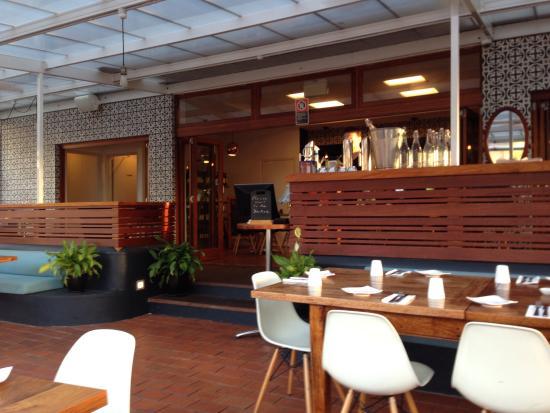 Frankie Brown : Restaurant view